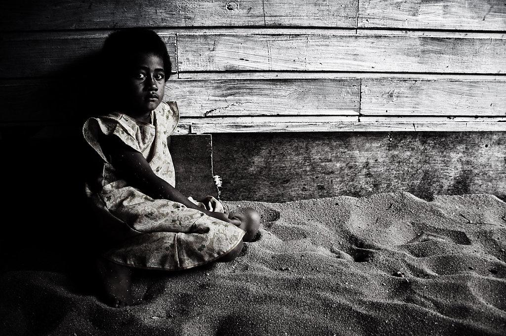 Watching Her Own Grains, Fiji