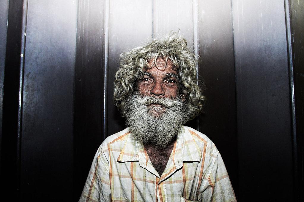 Santa, Marx and McDonald, Sri Lanka
